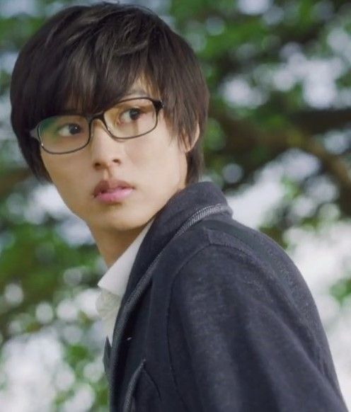 "[New trailer #1, 06/03/16] https://www.youtube.com/watch?v=Z6Ex2D0FmC4&feature=youtu.be [New trailer #2, 06/03/16] https://www.youtube.com/watch?v=ooQcfom9IEE Kento Yamazaki x Suzu Hirose, Taishi Nakagawa, Anna Ishii. J LA movie "" Shigatsu wa kimi no uso (your lie in April)"". Release: Sep/10/2016"