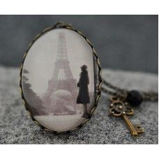 PARİS'TE YALNIZ Vintage Kolye http://ladymirage.com.tr/kolyeler.html/pariste-yalniz-vintage-kolye-11962042.html?limit=100 #paris #vintage #kolye #bronz #nostaljik #tasarım #elyapımı