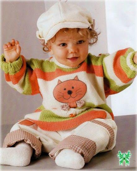 Вязаный детский свитер с котенком