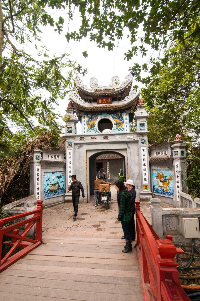 Ngoc Son Temple on Hoan Kiem Lake in #Hanoi, Vietnam