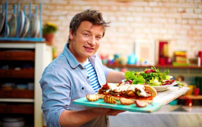 Jamie Oliver te invata cum sa faci cei mai buni cartofi la cuptor | Jurnal de reţete