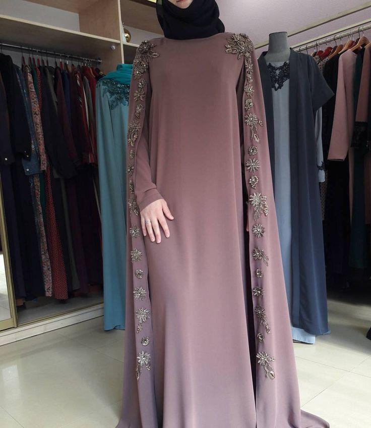 "839 Likes, 21 Comments - одежда для мусульманок (@asma__dress) on Instagram: ""Платье-кейп из крепа.11000р."""