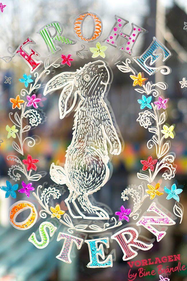 FROHE OSTERN! Süßer Osterhase am Fenster. Eine ganz einfach gemachte, fantastische Fensterdeko im Frühling! Mit Hilfe der tollen XXL- Vorlagen von Bine Brändle das Bild mit abwischbaren Kreidemarkern auf die Fensterscheibe malen. Das Motiv wird ganz einfach durch gepaust. Der Hase ist in der roten Vorlagenmappe ;-) – Patricia Morgenthaler – DIY Ideen: Deko, Wohnen, Geschenke, Basteln