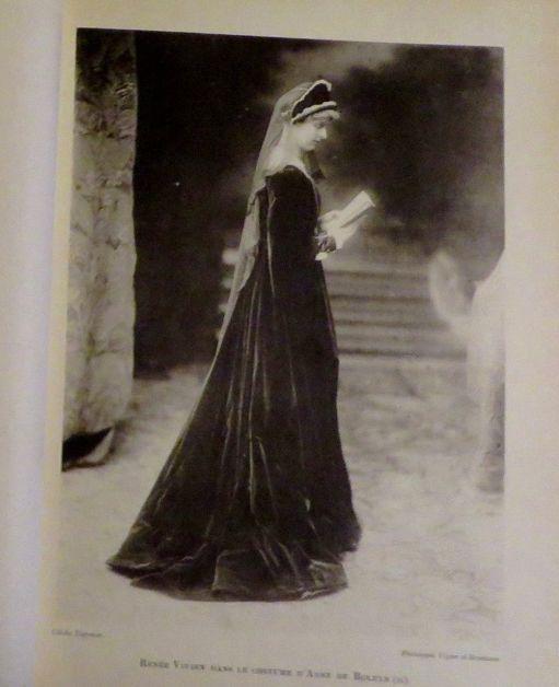 Renée Vivien as Anne Boleyn.