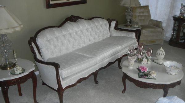 Victorian sofa Victorian Houses
