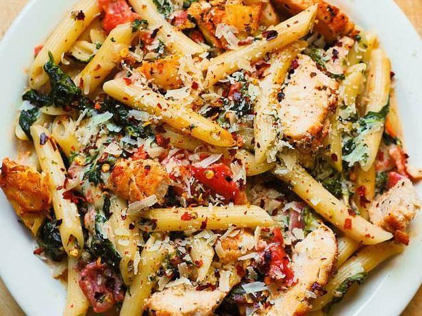 Holen Sie sich das Rezept für das Top-Pasta-Rezept auf Pinterest (ein cremiges, käsiges Rezep …   – fabulous food