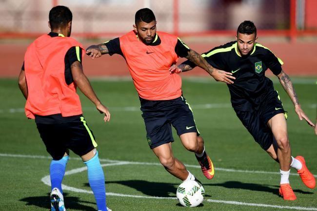 Barcelona Transfer News: Latest on Gabriel Barbosa, Thomas Vermaelen Rumours
