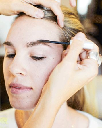 So, what's the trick for perfect brows? It's so simple, we don't know why we didn't think of it