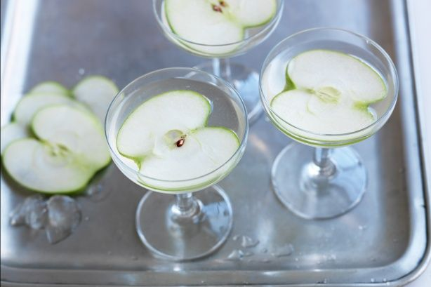 This beautiful martini combines the flavours of apple and elderflower in one charming cocktail.