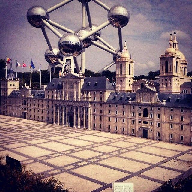 ¿Quién dice que Madrid no está muy cerquita de Bruselas? #Atomium #ElEscorial #Bruxelles #Bruxelles #Belgique #MiniEurope