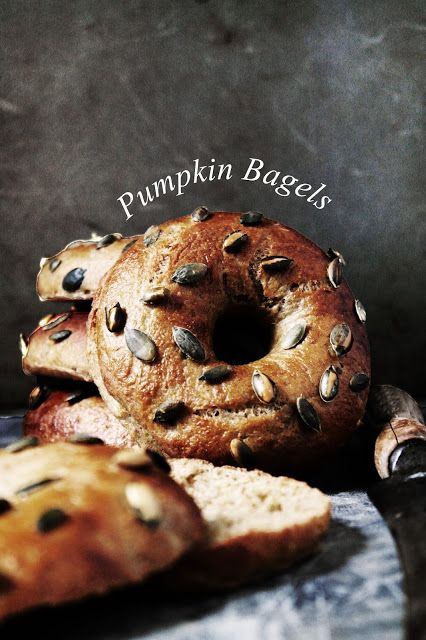 pumpkin bagels with pumpkin seeds // try them..they are not hard to make~