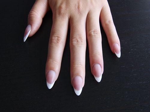 almond french manicure | Francia mandula műköröm / Almond shape French acrylic nails