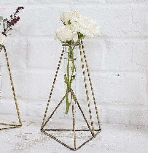 Best 25 gold vase centerpieces ideas on pinterest for Simple glass tubes