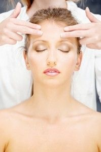 Facial massage can reduce wrinkles, and it's free and easy! Take 10 minutes a day to look years younger.