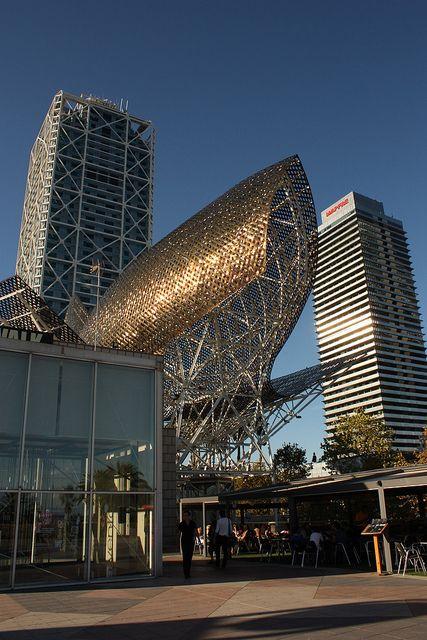 increible todos los lugares en donde hemos estado!! Fish by Frank Gehry, Barcelona, Spain.
