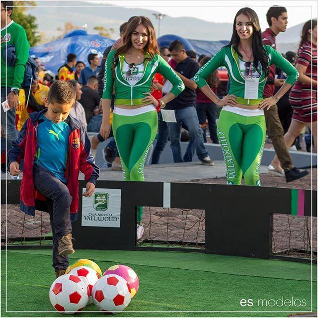 2016 #SomosEsModelos #EsModelos #CajaMoreliaValladolid #EstadioMorelos #Monarcas #Morelia #Modelo #Edecan #Activacion #BTL #Modelaje #Edecanes #BrandExperience #PromotionalModel #TopModel #Agency #PaddockGirls #PromoGirls #GridGirls #Marca #Promotoras #GuerrillaMarketing #Marketing #SocialMedia #Promotion #Model #Hostess #Publicidad #RRPP #Michoacan @fuerzamonarca @esmodelos by @esmodelos.  #logo #graphicdesign #brandidentity #brand #logodesigner #logos #graphicdesigner #logotype…