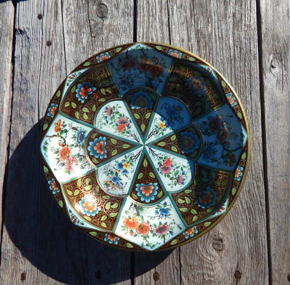 Daher Decorated Ware Tin Plate with a Flower by LookatthisHoney