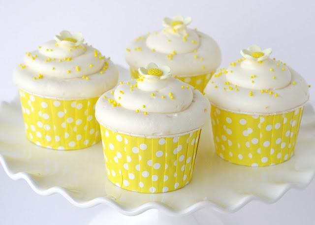 Lemon cupcakes  http://glorioustreats.blogspot.com/2012/04/lemon-cupcakes.html