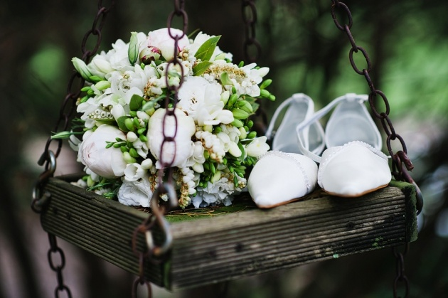 Flowers and shoes - Mt Macedon / Woodend Wedding