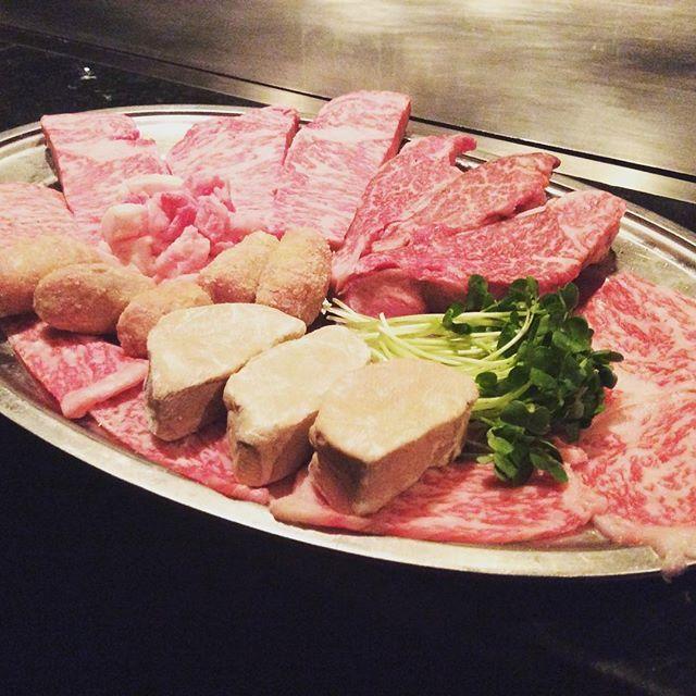 GW開けいかがですか?もし、お肉が足りないと思われましたら是非、 シャカ錦本店へ! 神戸牛、黒毛和牛取り揃えてお待ちしております!  #シャカ #シャカ錦本店 #ステーキ #元祖ステーキパフォーマンス #肉 #肉料理 #神戸牛 #神戸ビーフ #名古屋栄 #名古屋錦 #錦三丁目 #錦3 #シャトーブリアン #サーロイン  #シャカ志島ペンション