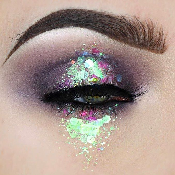 """1,401 gilla-markeringar, 9 kommentarer - Jazzy Glitter (@jazzy_glitter) på Instagram: """"@tesseffects using some of our beautiful iridescent chunky glitters  absolutely adore this look ✨✨"""""""