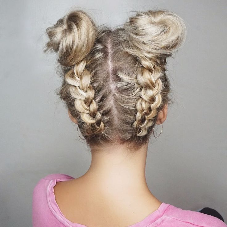 Space Buns @laineymariebeauty - Updo Hairstyles to try this summer
