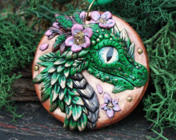 Sakura Dragon médaillon - pendentif dragon fleur - fleur dragon collier - jeu de dragon - dragon printemps - forêt du dragon trône - drache
