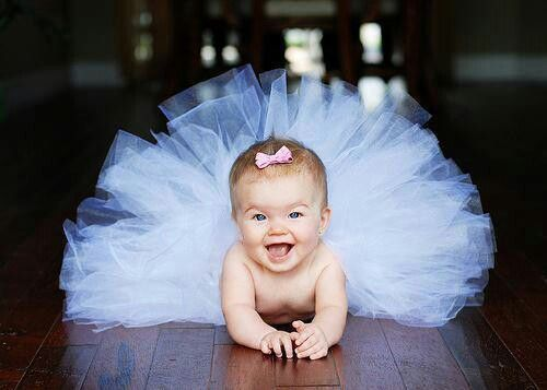 Later on in life if God blesses me with a baby girl, this is what we will spend our time doing ♡ laughing, loving, smiling, and dancing.