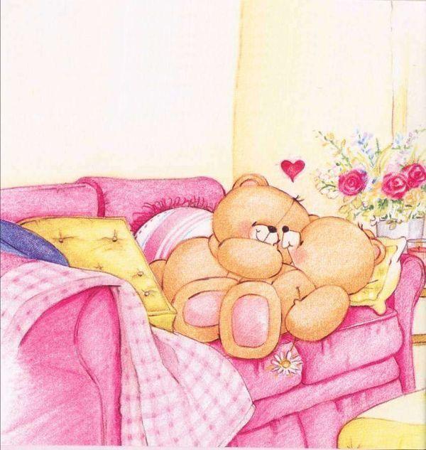 Ositos tiernos enamorados en el sofá