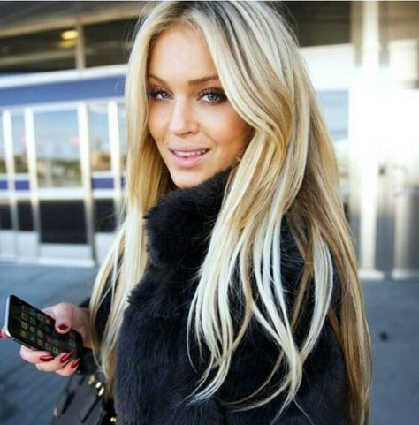 THIS blonde. Perfect.