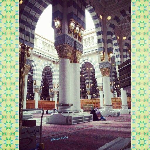 Inside Masjid Nabawi, Medinah. My umroh trip Dec 31, 2013 to Jan 9, 2014.