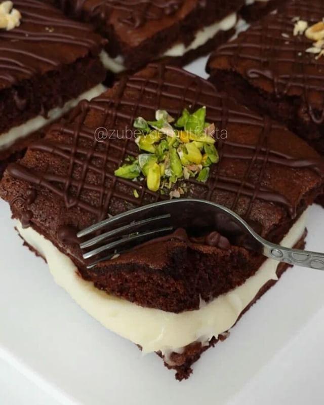 """7,574 Beğenme, 157 Yorum - Instagram'da Zübeyde Mutfakta ♻ 2014 (@zubeydemutfakta): """"Selâmün Aleyküm canlar.  Dün bu pastayı biraz geç saatlerde paylaşmistim.  Baktım buralarda pek…"""""""