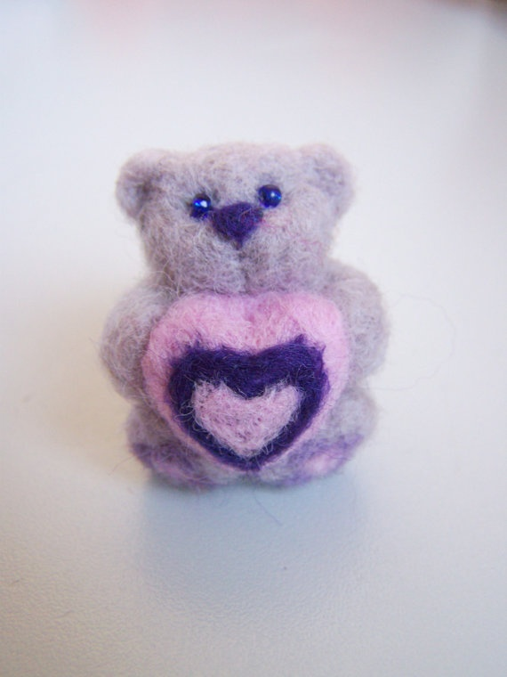 Needle felted small bear Mímiwith pink heartLight by ArteAnRy, €10.00