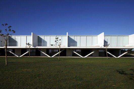 Row-Houses in Bom Sucesso / Inês Lobo Arquitectos