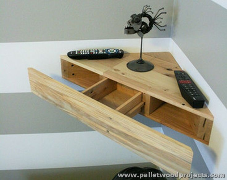 Pallet Wood Corner Shelf with Hidden Draw (Dunway Enterprises) For more info (add http:// to the following link) www.dunway.info/pallets/index.html