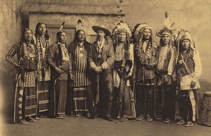 Buffalo Bill is flanked by Pawnee (on his right) and Lakota (on his left) in this publicity photo taken while at Erastina. Because of tensions between the two tribes, Cody eventually decided to have only Lakota perform in the Wild West.: Photos, Eagles Chiefs, American Indian, Bears, Brave Chiefs, Wild West, Native American, Buffalo Bills, American Horses