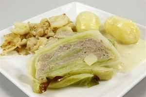 Farseret hvidkål i form med kartofler og hvid sovs, billede 4