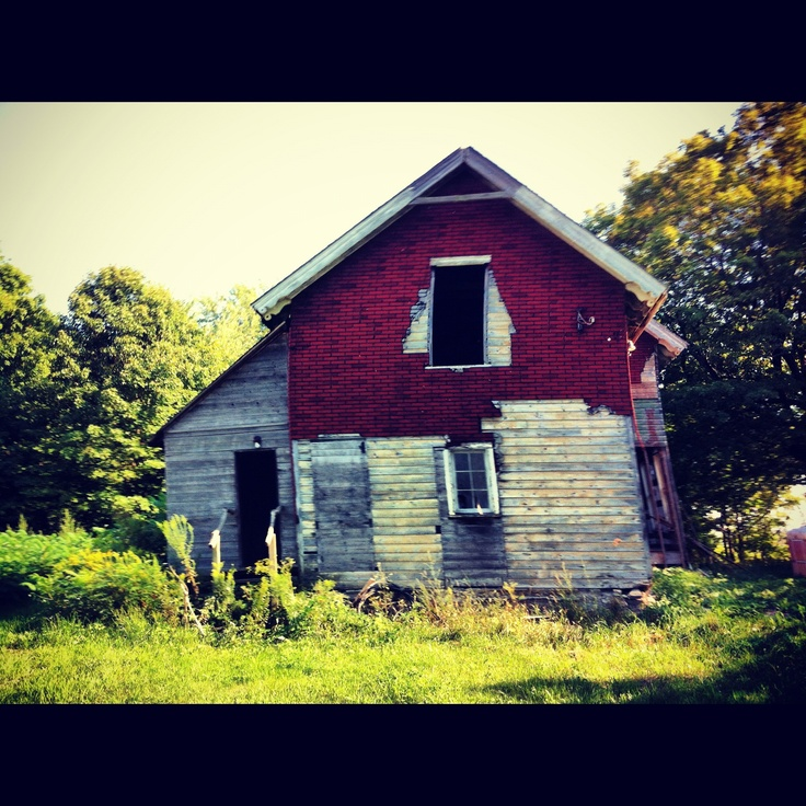 Abandoned farm in Prince Edward County