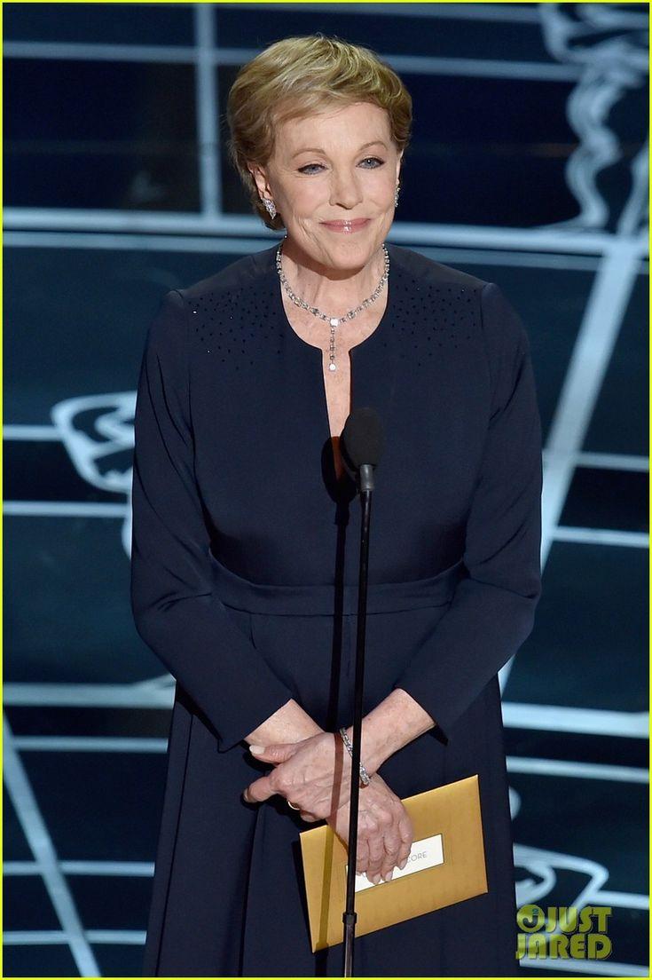 Julie Andrews Makes Surprise Appearance at Oscars 2015!