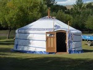 Slaap in een safaritent of yurt op de Veluwe Gelderland