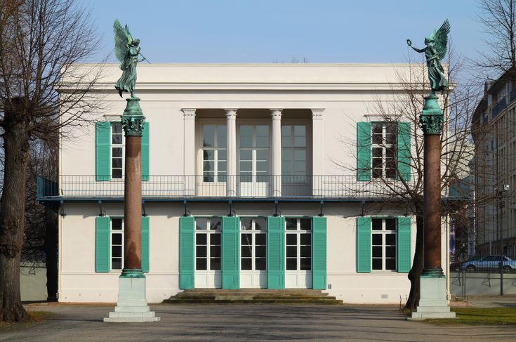 File:Neuer Pavillon Front.jpg, Shinkel at Charlottenburg.