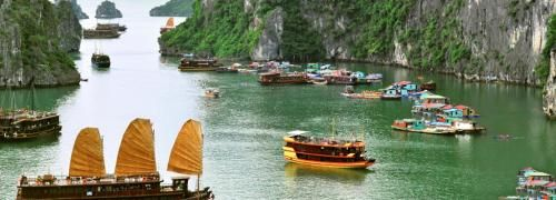 Nobody can spend their #Vietnamholiday without paying a visit to the world-famous natural wonder that is Ha Long Bay.