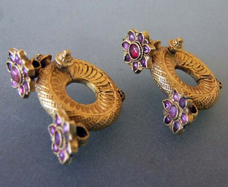 India | Earrings ~ 'gintili' ~ gold and rubies | 19th/20th century. Andhra Pradesh | Price on request