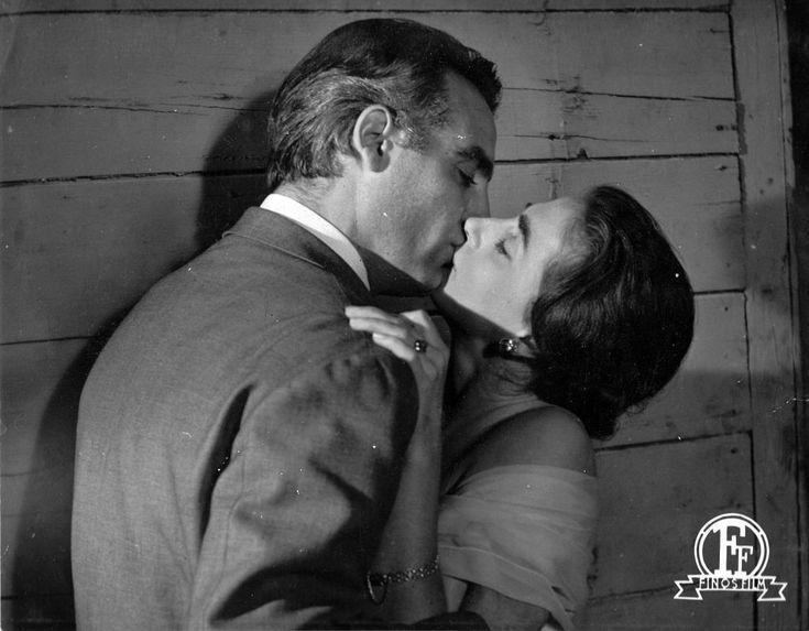 ΜΕ ΤΗΝ ΕΛΛΗ ΛΑΜΠΕΤΗ ΣΤΟ 'ΤΕΛΕΥΤΑΙΟ ΨΕΜΑ', 1958 – Μιχάλης Νικολινάκος