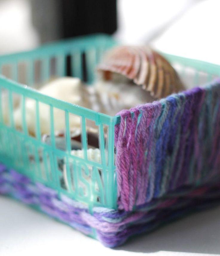 Beautiful DIY Woven Berry Basket Tutorial using scrap yarn. Such a fun way to upcycle!!