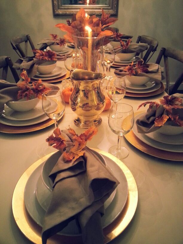#thanksgiving table setting gold fall leaves napkin rings