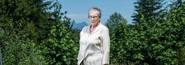 Annie Proulx. De grand old lady van de Amerikaanse literatuur is bepaald geen stadsmeisje. Ook haar nieuwste roman, over ontbossing, getuigt van haar voorkeur voor