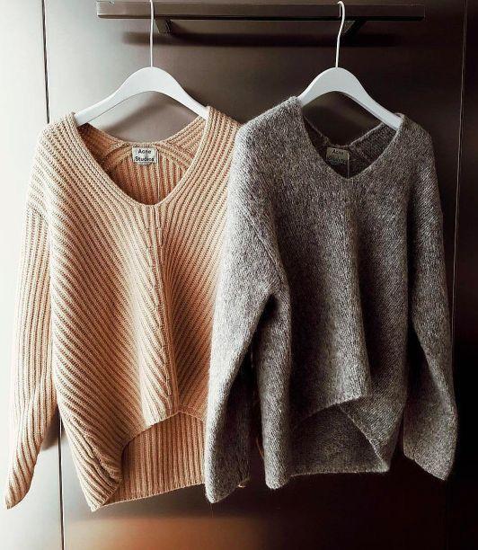 oversized vneck sweaters //pinterest: juliabarefoot