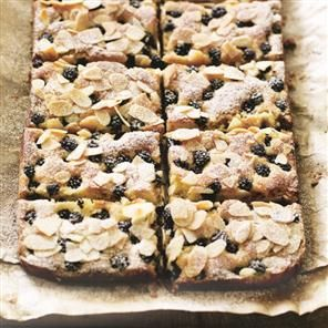 Blackberry, lemon and almond bars Recipe | delicious. Magazine free recipes