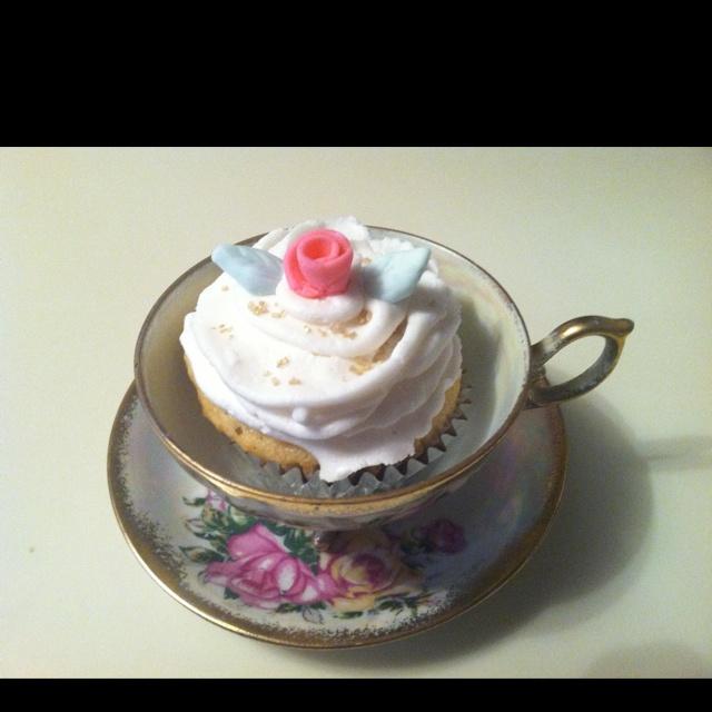 Vanilla Cupcake with Buttercream Icing